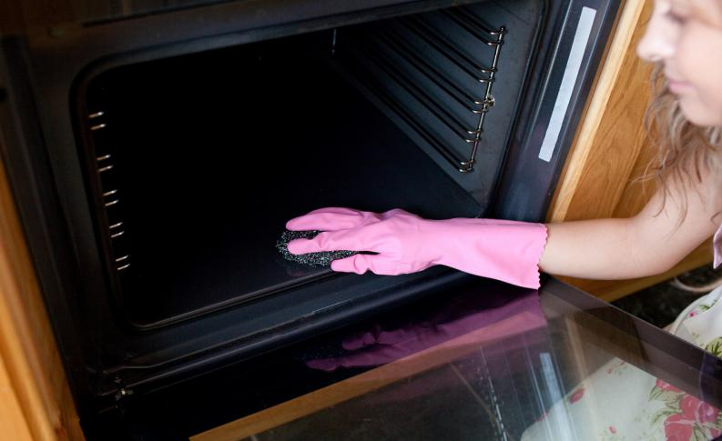 How to Clean Oven