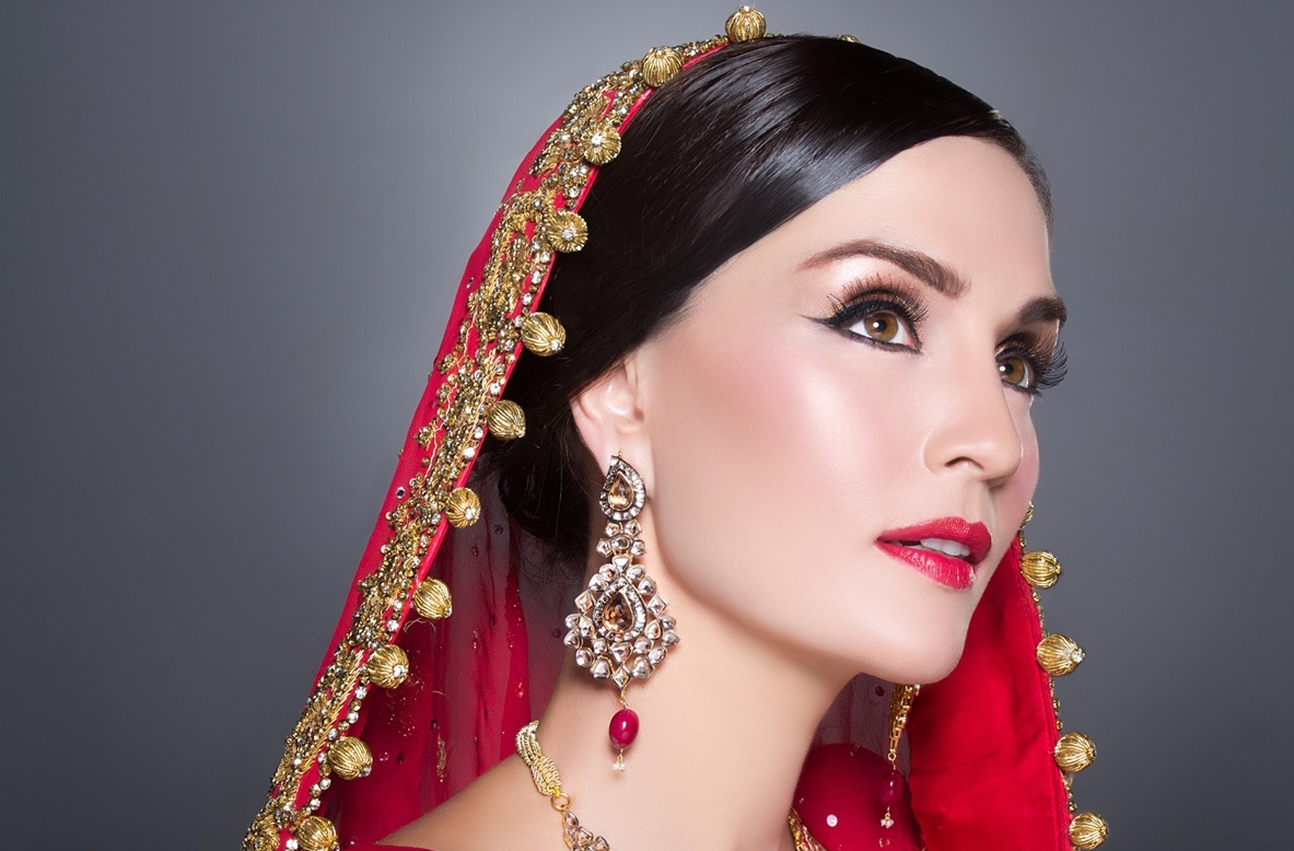 The Best 11 Indian Bridal Makeup Tips - TheBuzzQueen.com